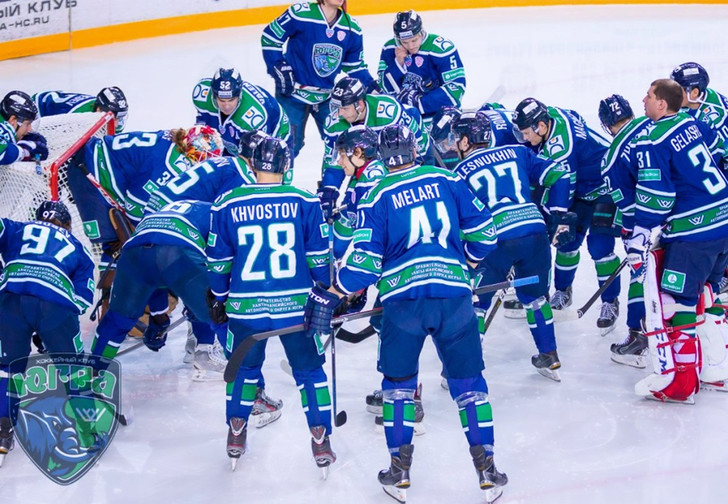 Фото №1 - Почему из лучшей спортивной лиги России убрали два клуба?