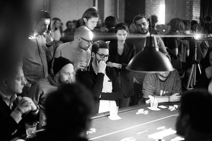 Фото №1 - Покер и кабаре: успей попасть на вечеринку Jameson Sips&Chips