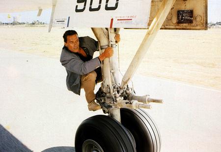 Меняют ли самолеты летнюю резину на зимнюю?