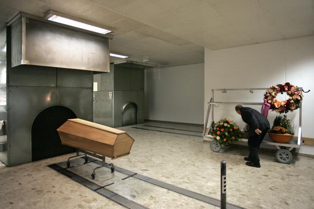 Фото №1 - При попытке кремировать мужчину c ожирением сожгли крематорий