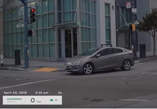 Машину с автопилотом научили делать левый разворот на нерегулируемом перекрестке (видео)
