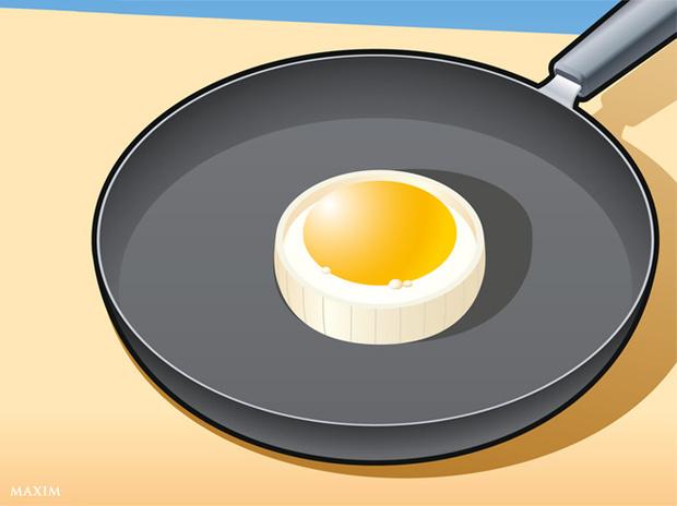 Фото №3 - Совет без слов: как сделать идеальную яичницу