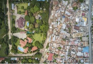 Американский фотограф снимает места, где нищета граничит с роскошью