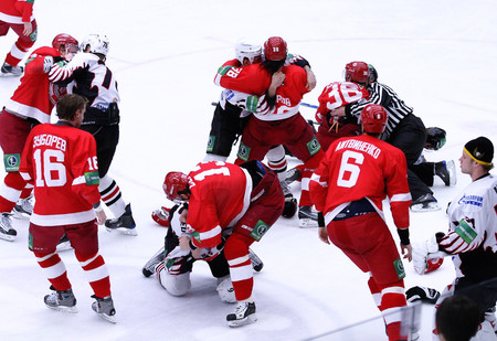5 самых массовых драк в истории хоккея (видео прилагается)