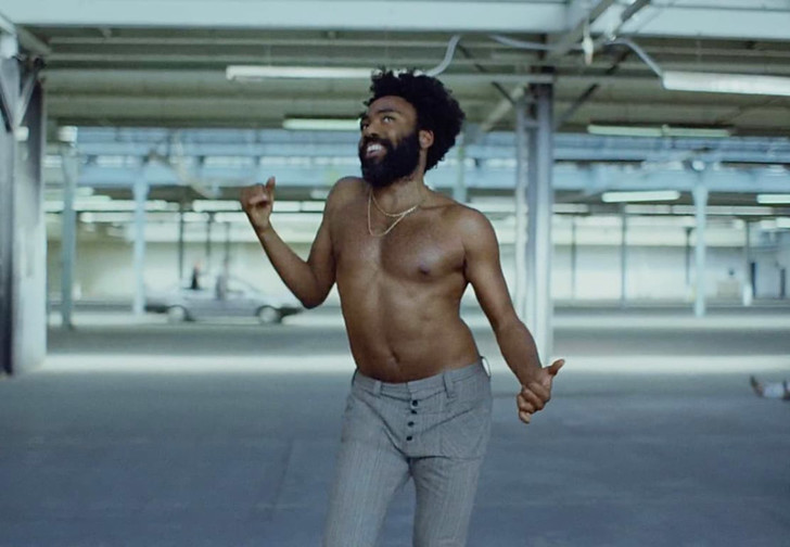 Фото №1 - Танцуй, как в This Is America! Пошаговая инструкция от хореографа клипа Childish Gambino!