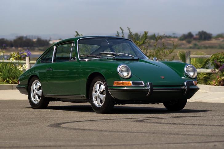 Фото №5 - Миллионный Porsche 911 стилизовали под модель 50-летней давности