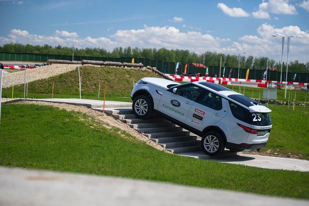 Фото №10 - Начались продажи нового Land Rover Discovery