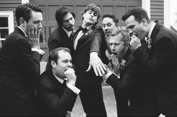 Фото №11 - Мужчины, пародирующие типично женские фото в Инстаграме, выглядят круче, чем женщины!