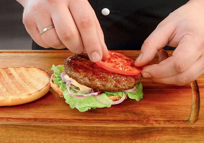 Положи котлету и помидоры - в каком порядке складывать бургер