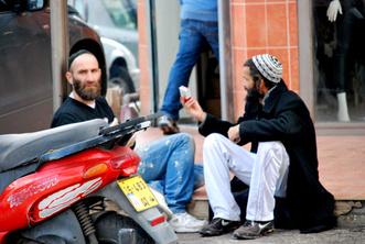 Фото №4 - C пейсом по жизни: таки как и чем живут евреи-хасиды