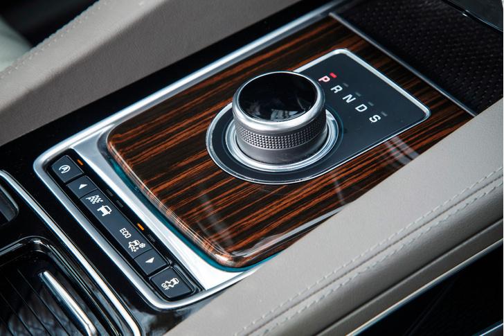 Фото №14 - Jaguar F-Pace: кроссовер как предчувствие