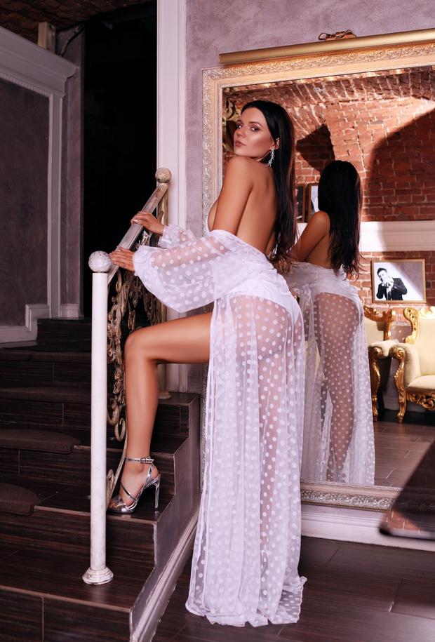 Фото №2 - Красотки Jimmy Poy: самые сексуальные работницы индустрии караоке