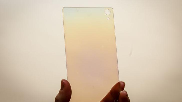Фото №1 - Алмазные экраны в мобильниках — уже скоро