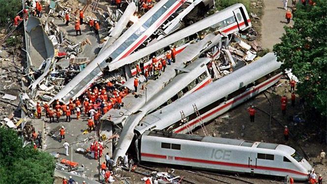 Фото №16 - Самые впечатляющие фото железнодорожных катастроф