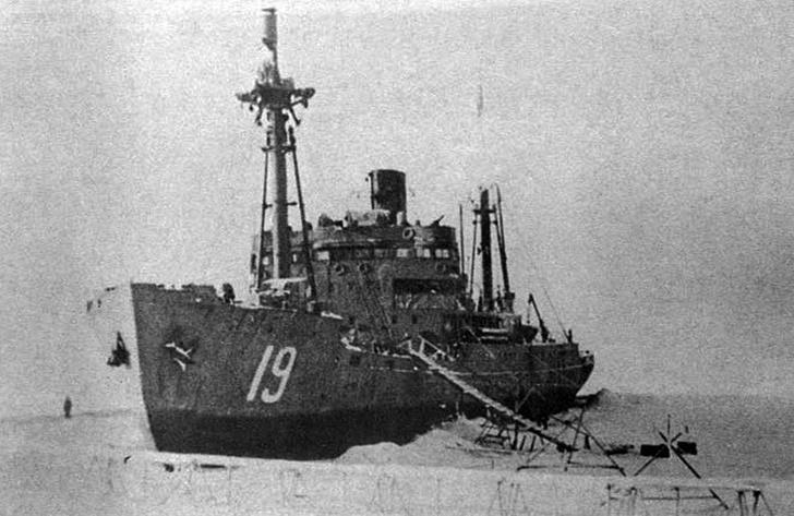 Фото №3 - История необычного морского боя: фашистский крейсер против советского острова