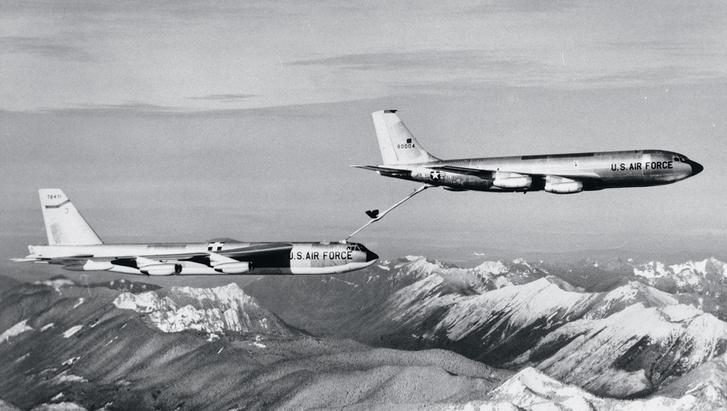 Фото №2 - Операция «Хромированный купол»: как так вышло, что американцы уронили на Испанию четыре ядерные бомбы