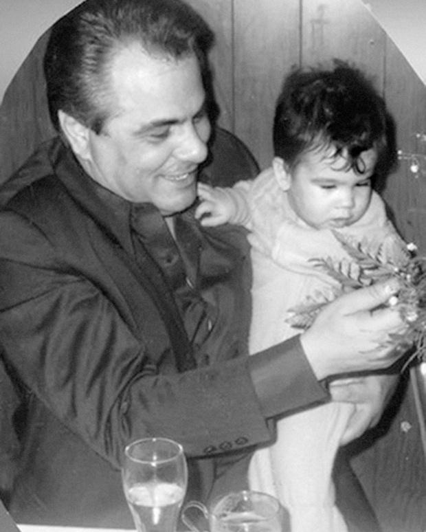 С сыном Френки, который погибнет в 12 лет