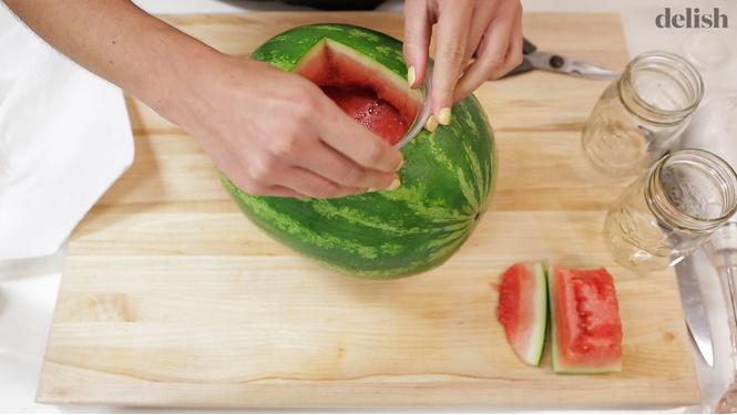 Самый мужской способ употребления арбуза