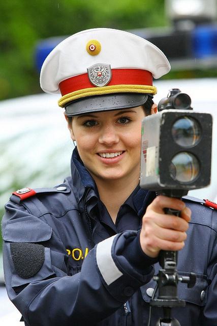 Самые красивые девушки-полицейские мира!