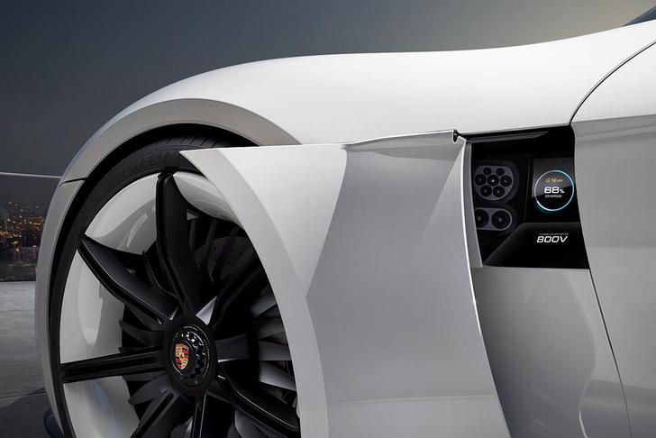 Фото №3 - Как будет выглядеть электрокар от Porsche? А вот так!