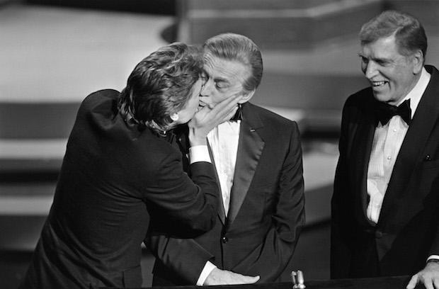 Фото №9 - 18 памятных фотографий из истории «Оскара»