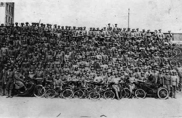 Фото №25 - Непридуманная история велосипедных войск