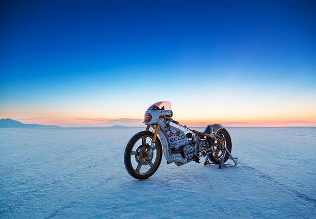 Как команда из России участвовала в одной из самых опасных мотогонок мира