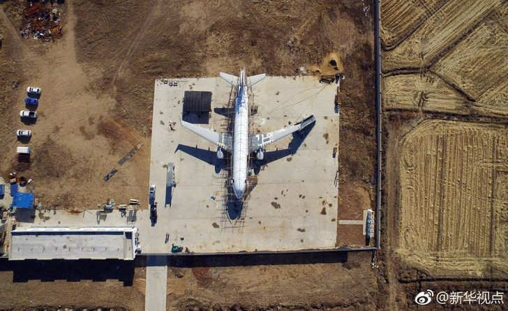 Фото №1 - Китаец построил полноразмерную картонную копию Airbus A-320 (фото)