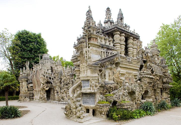 Фото №1 - Дворец, который построил французский почтальон