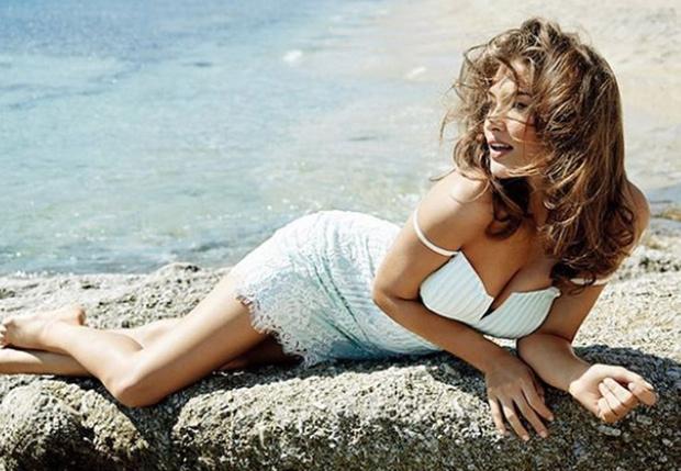 Фото №1 - У Victoria's Secret новый «ангел», и она божественно хороша!