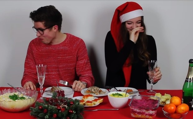 Фото №1 - Немцы пробуют русскую новогоднюю еду (познавательное видео)