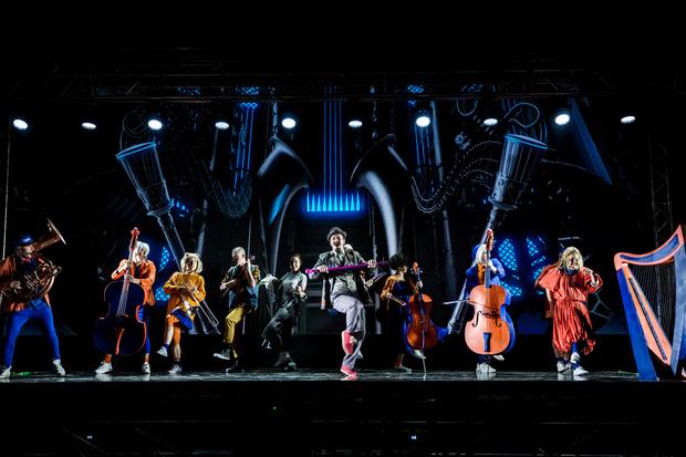 Фото №3 - Голограмма вместо декораций: премьера мюзикла «Саша|Alex»