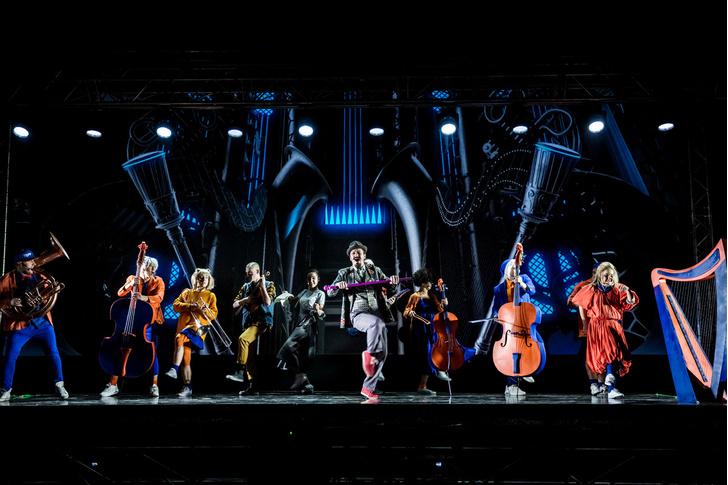 Фото №3 - Голограмма вместо декораций: премьера мюзикла «Саша Alex»
