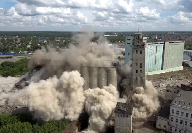 Фото №1 - Бдыыыщ! Взрыв завода в Иванове! Разрушительные ВИДЕО с разных ракурсов