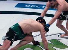 Российскому бойцу MMA «Мотиватору» сломали ногу в первую же минуту, но он выстоял четыре раунда (видео)