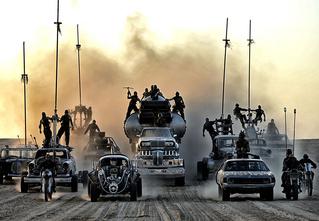 Бензопокалипсис сегодня! 5 причин смотреть «Безумный Макс: Дорога ярости»