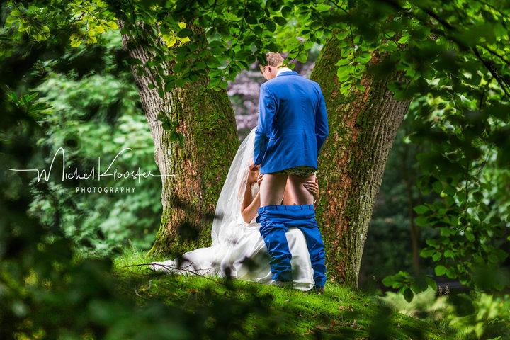 Фото №2 - Пара сняла самую, мягко говоря, смелую свадебную фотосессию, что ты когда-либо видел!