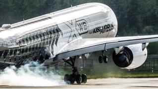 Безумный взлет пассажирского лайнера (ВИДЕО)