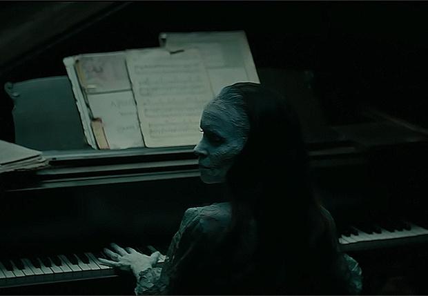 Фото №1 - В трейлере хоррора «Музыкальная глухота» Роберт Патрик (жидкий Терминатор) орудует молотком
