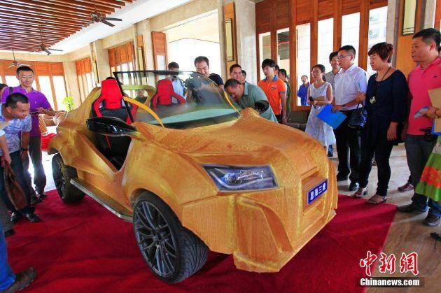Фото №3 - Китайцы напечатали автомобиль за 100 000 рублей