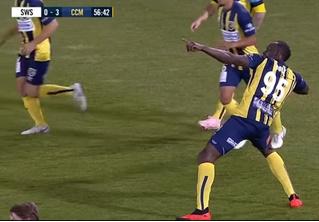 Первые голы Усейна Болта в профессиональном футболе (видео). Спойлер: они крутые
