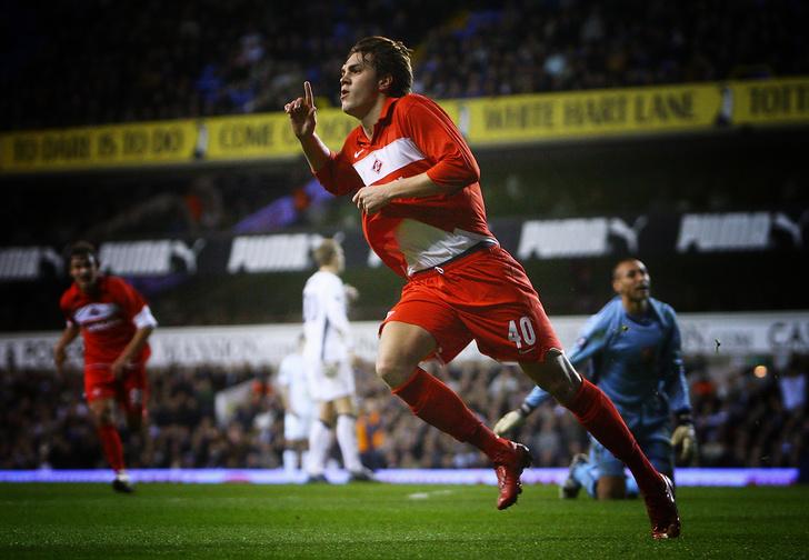 Фото №1 - Зачем Артем Дзюба уезжает в «Арсенал» и отказывается от зарплаты