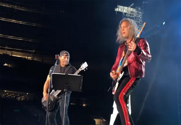 Фото №1 - Лучшие шутки про группу Metallica в Москве и ее кавер на песню группы «Кино»