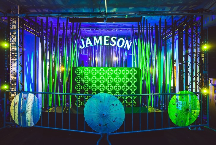 Фото №1 - Jameson Irishhood 2019 представил Lucky Town