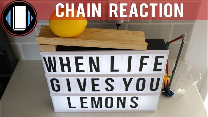 Фото №1 - Самый сложный способ налить лимонад (видео для медитации)