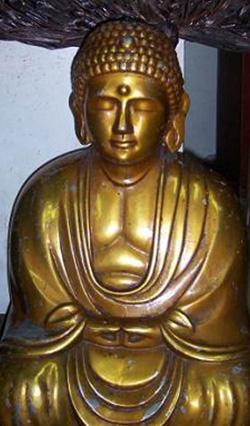 Золотой Будда Роджелио Роксаса