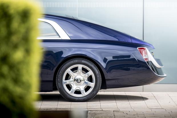 Фото №13 - Самый дорогой в мире Rolls-Royce построили для таинственного коллекционера