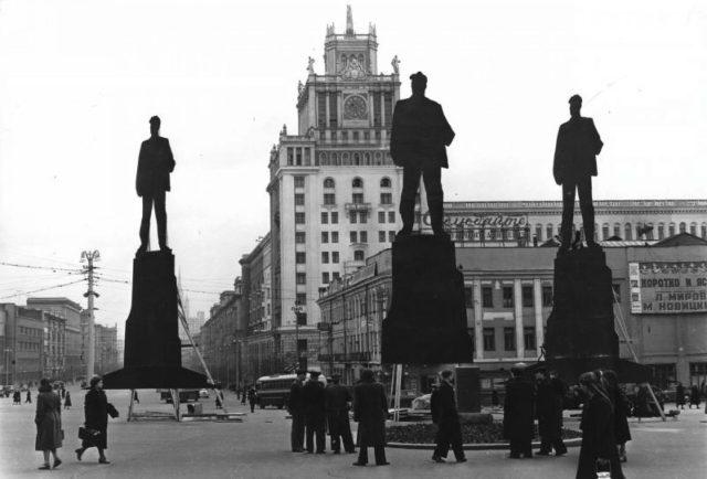 Лже-Маяковские и еще 4 невероятные ретрофотографии