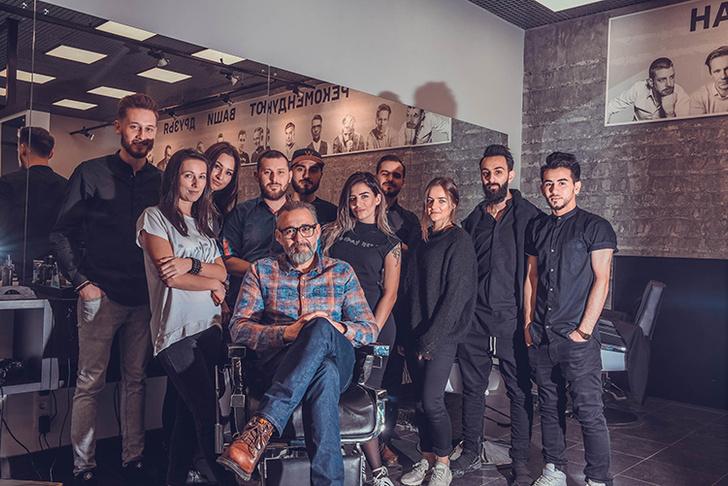 Хесус Муньос — арт-директор бренда American Crew в Европе в парикмахерской «Аляска»