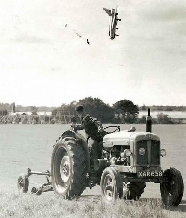 Фото №2 - История одной фотографии: катапультирование пилота истребителя, сентябрь 1962 года